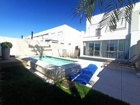 Casa em Condomínio 3 dormitórios em Xangri-lá | Ref.: 10095
