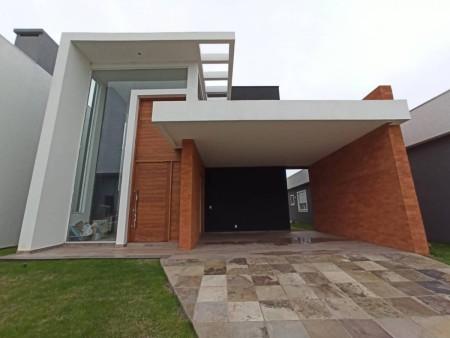 Casa em Condomínio 4 dormitórios em Capão da Canoa   Ref.: 3845