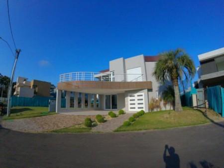 Casa em Condomínio 4 dormitórios em Xangri-lá | Ref.: 5822