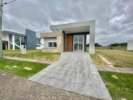 Casa em Condomínio 4 dormitórios em Capão da Canoa   Ref.: 6306