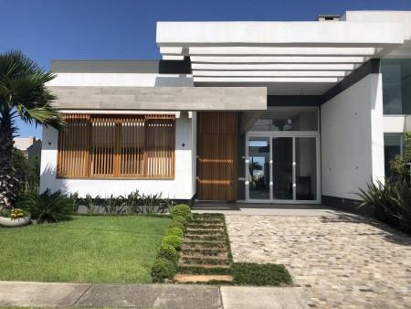 Casa em Condomínio 4 dormitórios em Capão da Canoa | Ref.: 7600