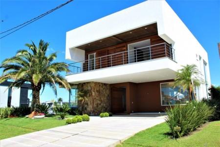 Casa em Condomínio 5 dormitórios em Xangri-lá | Ref.: 7892