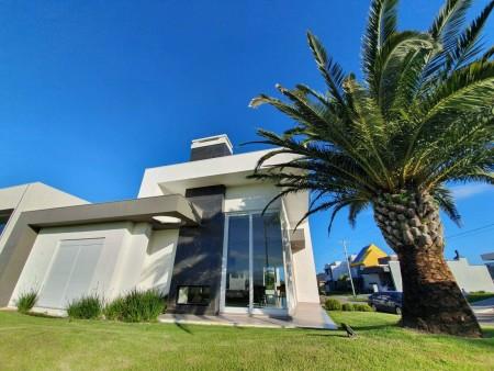 Casa em Condomínio 4 dormitórios em Capão da Canoa | Ref.: 7949