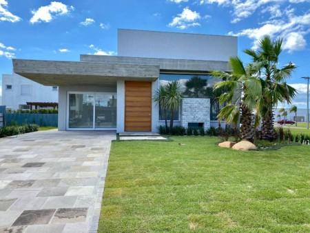 Casa em Condomínio 4 dormitórios em Capão da Canoa | Ref.: 7952