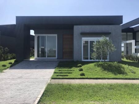 Casa em Condomínio 4 dormitórios em Capão da Canoa | Ref.: 8075