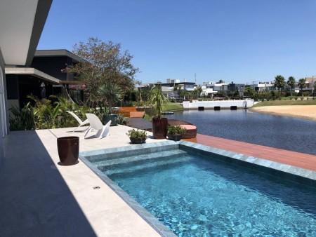 Casa em Condomínio 5 dormitórios em Xangri-lá | Ref.: 8136