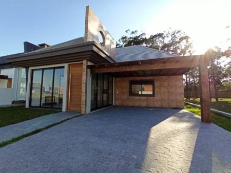 Casa em Condomínio 3 dormitórios em Capão da Canoa | Ref.: 8485
