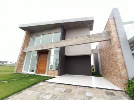 Casa em Condomínio 4 dormitórios em Capão da Canoa   Ref.: 8577