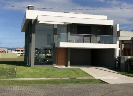Casa em Condomínio 4 dormitórios em Capão da Canoa   Ref.: 8580
