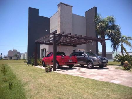 Casa em Condomínio 3 dormitórios em Capão da Canoa | Ref.: 8709
