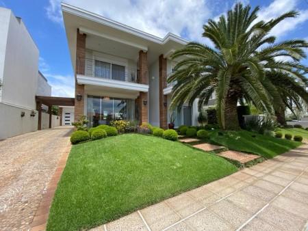 Casa em Condomínio 4 dormitórios em Capão da Canoa   Ref.: 8743