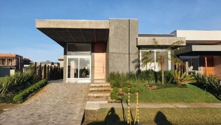 Casa em Condomínio 4 dormitórios em Capão da Canoa   Ref.: 8787