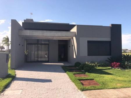 Casa em Condomínio 4 dormitórios em Capão da Canoa   Ref.: 8925