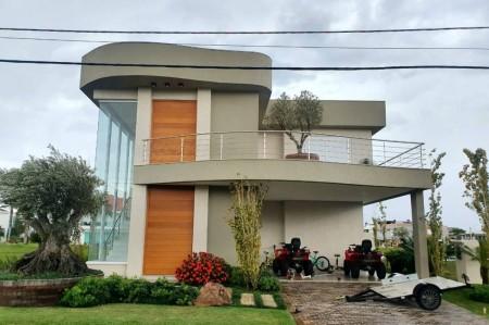 Casa em Condomínio 5 dormitórios em Xangri-lá | Ref.: 8927