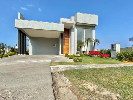 Casa em Condomínio 4 dormitórios em Capão da Canoa   Ref.: 8952