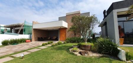 Casa em Condomínio 4 dormitórios em Capão da Canoa | Ref.: 9023