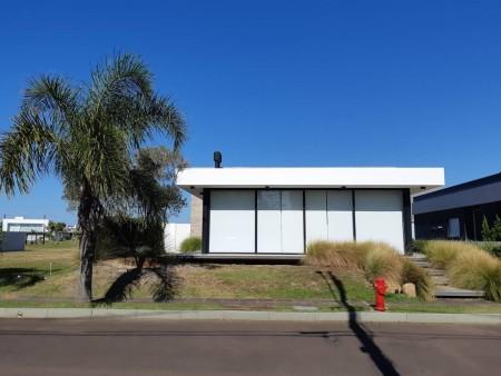 Casa em Condomínio 4 dormitórios em Capão da Canoa | Ref.: 9046