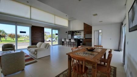 Casa em Condomínio 3 dormitórios em Capão da Canoa   Ref.: 9439
