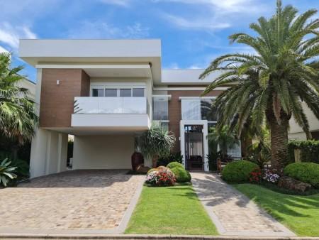 Casa em Condomínio 4 dormitórios em Xangri-lá | Ref.: 9682