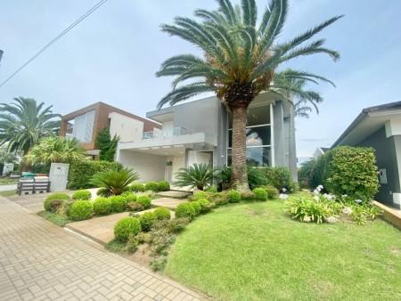 Casa em Condomínio 4 dormitórios em Capão da Canoa | Ref.: 9694